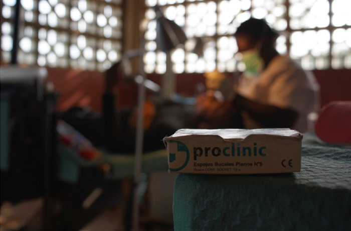 Proclinic-Zerca y Lejos